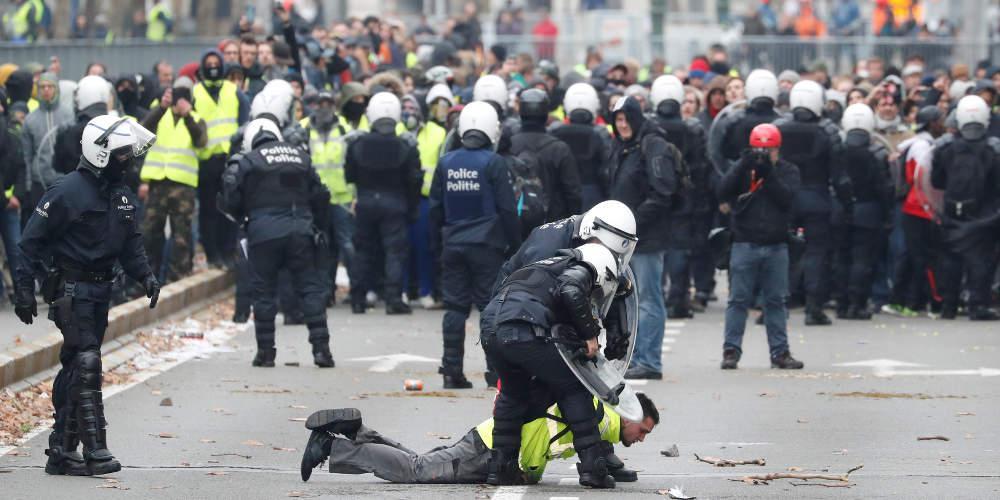 Διαδήλωση από «κίτρινα γιλέκα» και στο Βέλγιο με δεκάδες συλλήψεις