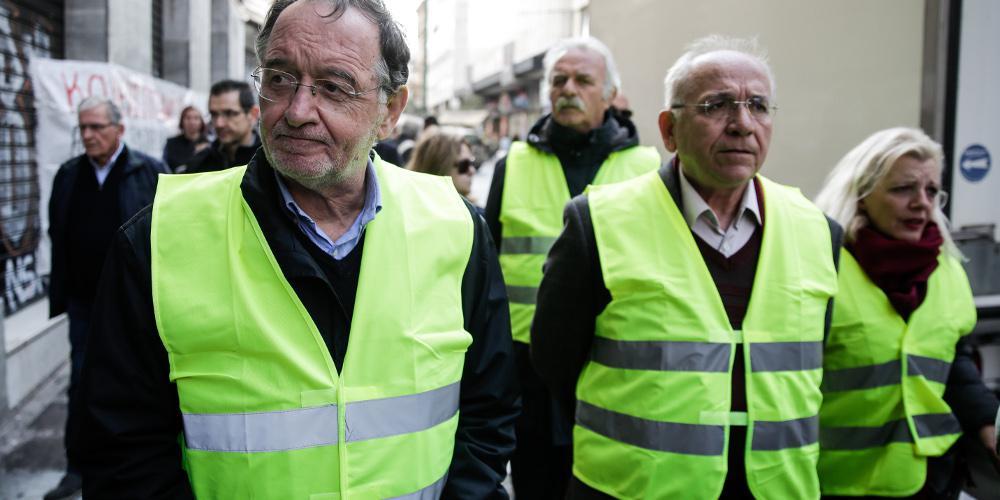 Στο Παρίσι με τα «κίτρινα γιλέκα» ο Λαφαζάνης!