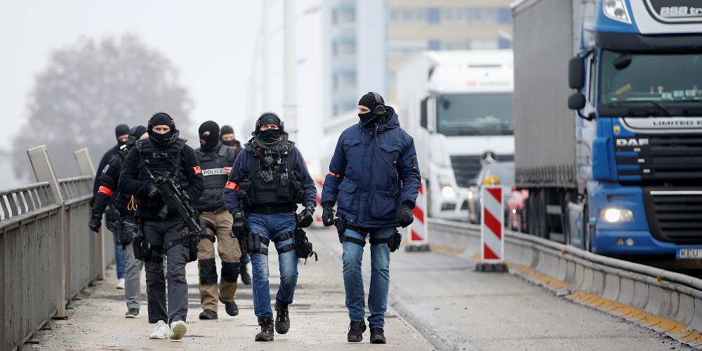 Δείτε live: Μεγάλη αστυνομική επιχείρηση στο Στρασβούργο για τον δράστη της τρομοκρατικής επίθεσης