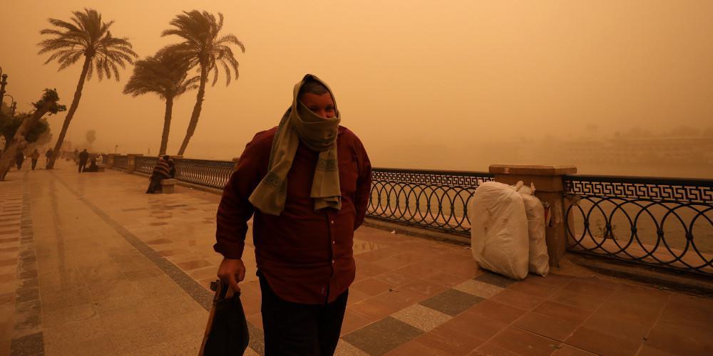 Πέντε νεκροί από σφοδρή αμμοθύελλα στην Αίγυπτο