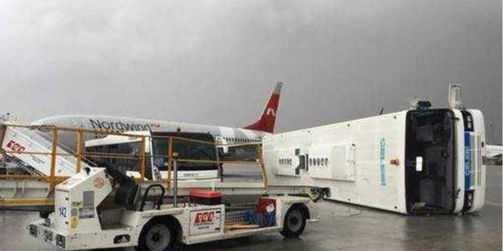 Ανεμοστρόβιλος χτύπησε το αεροδρόμιο της Αττάλειας - 12 τραυματίες [βίντεο]