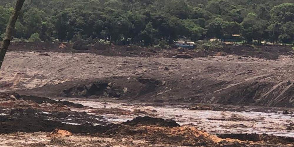 Τραγωδία στη Βραζιλία: Κατέρρευσε φράγμα τελμάτων σε μεταλλείο – 7 νεκροί και 150 αγνοούμενοι