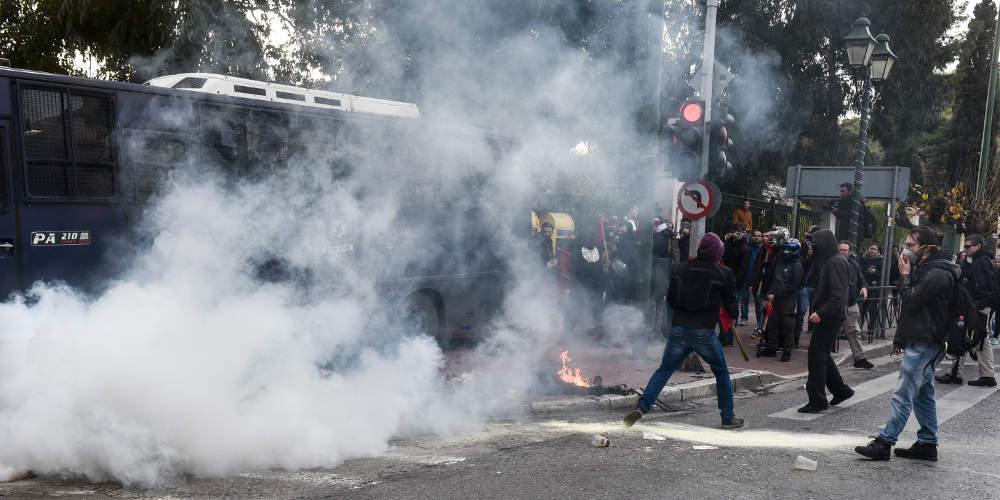 Κουτσούμπας για τα επεισόδια στην απεργία των εκπαιδευτικών: Η κυβέρνηση ΣΥΡΙΖΑ-ΑΝΕΛ είναι αδίστακτη
