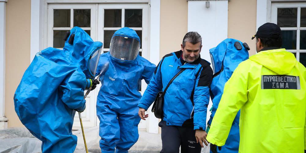 Στο Γενικό Χημείο του κράτους οι 11 φάκελοι που εντοπίστηκαν χθες στα δικαστήρια Πειραιά