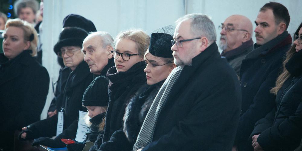 Χιλιάδες άνθρωποι στην κηδεία του δολοφονημένου δημάρχου του Γκντανσκ
