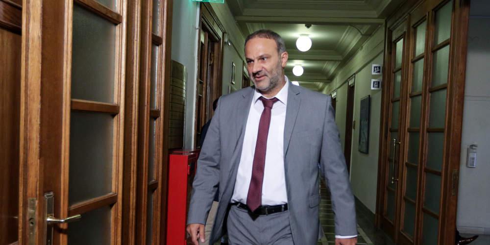 Ξύλο με τον πρώην υπουργό Νίκο Μαυραγάνη μέσα σε εκλογικό κέντρο της Εύβοιας