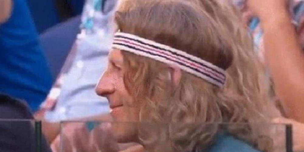 Απίστευτο: Ο... σωσίας του Τσιτσιπά στο γήπεδο [βίντεο]