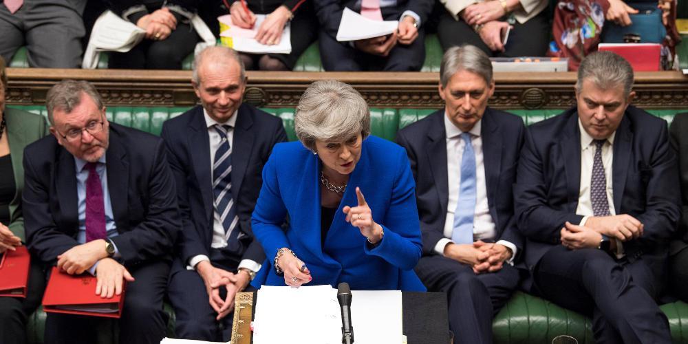 Brexit: Η Μέι ζήτησε παράταση της εξόδου μέχρι τις 30 Ιουνίου
