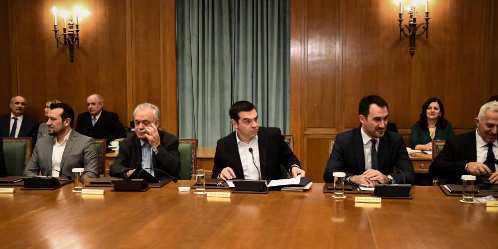 Αμετανόητος ο Τσίπρας εισηγήθηκε υπέρ της θεσμικής εκτροπής στη Δικαιοσύνη στο υπουργικό συμβούλιο