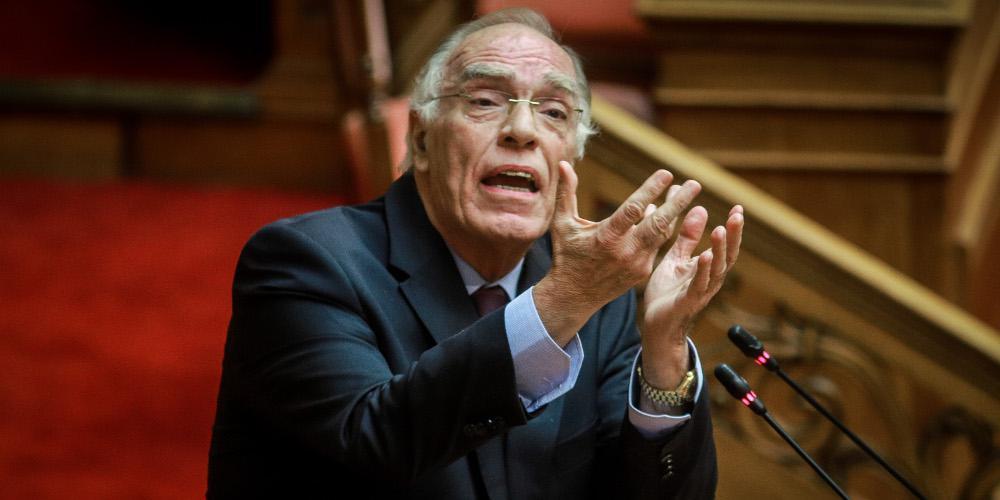 Λεβέντης: Η κυβέρνηση στηρίζεται σε περιμαζώματα