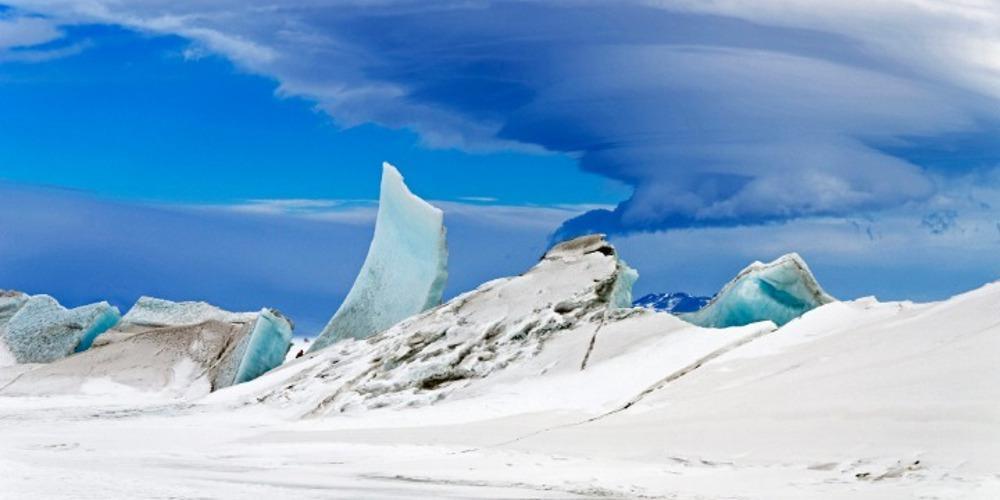 Πρωτοποριακή πρόταση επιστημόνων για την Ανταρκτική: Να την βομβαρδίσουμε με τεχνητό χιόνι