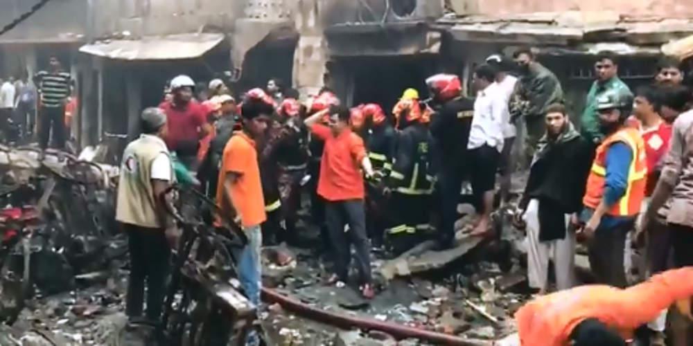 Τραγωδία: Πάνω από 70 νεκροί στο Μπαγκλαντές από πυρκαγιά σε πολυκατοικίες [βίντεο]