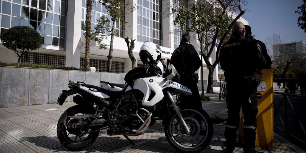 Εισβολή αντιεξουσιαστών στο Εφετείο στη δίκη για τη δολοφονία Λουκμάν