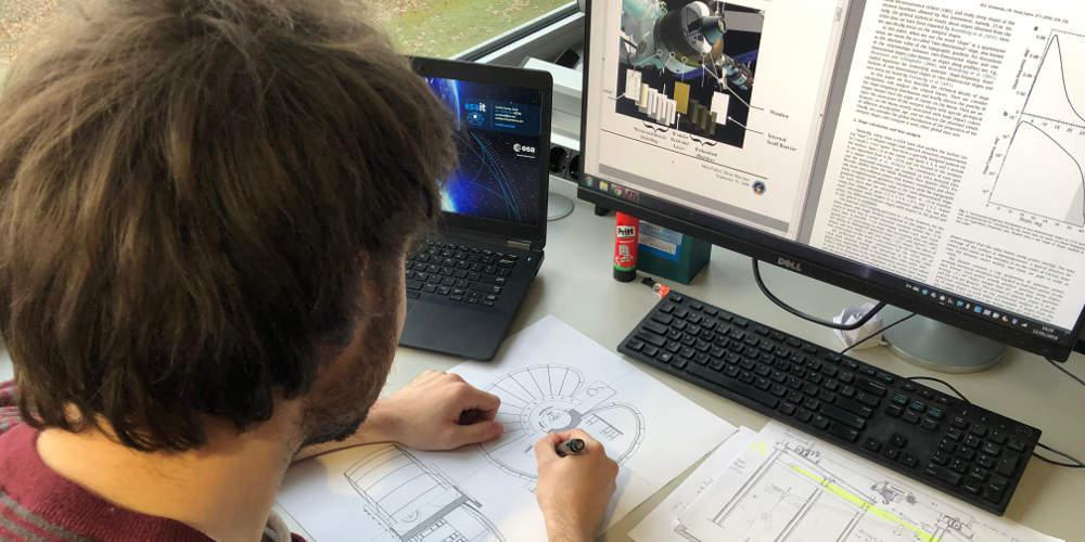 Απίστευτο: Φοιτητής αρχιτεκτονικής του ΕΜΠ σχεδιάζει κατοικίες στη Σελήνη