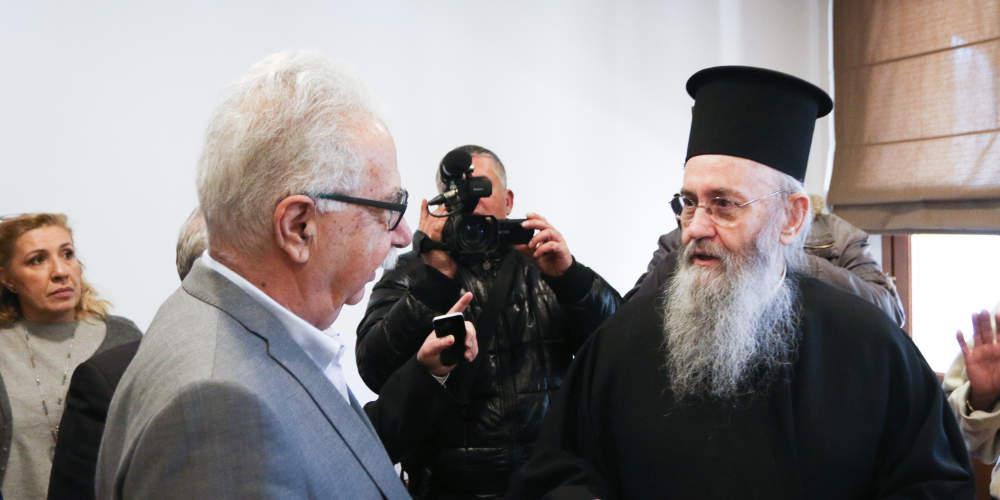 Ο Γαβρόγλου δεν έπεισε τους κληρικούς για την μισθοδοσία - Παραπέμπεται στην Ιεραρχία το θέμα