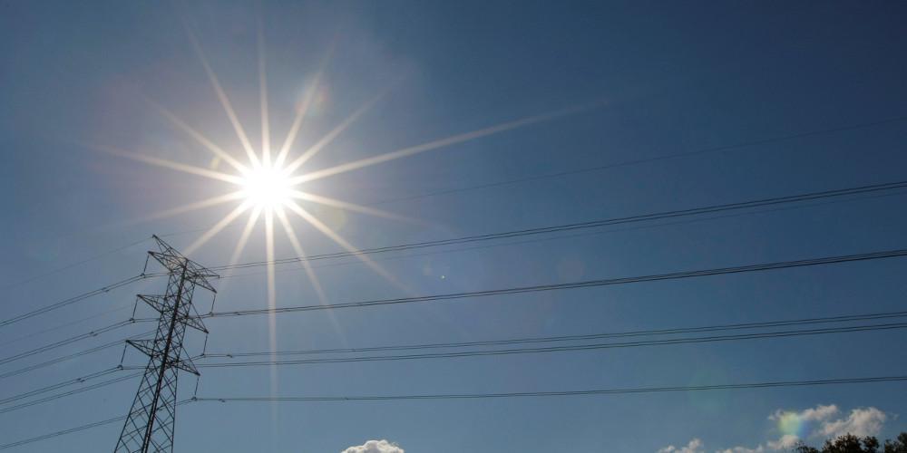 Η καλοκαιρία συνεχίζεται και το Σάββατο - Ανεβαίνει κι άλλο η θερμοκρασία