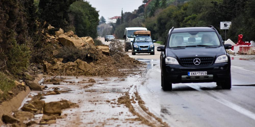 Πνίγηκε για ακόμη μια φορά η Κρήτη - Κινδύνευσαν άνθρωποι μέσα στα σπίτια τους