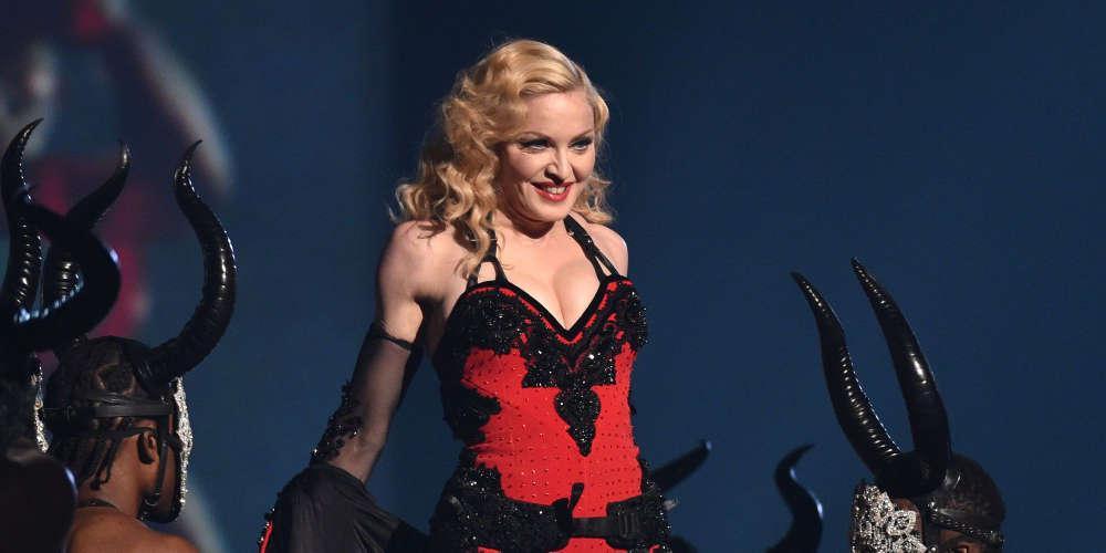 Η Μαντόνα ανακοίνωσε ότι βρέθηκε θετική στον κορωνοϊό