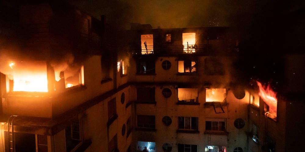 Σοκ: Μία γυναίκα έκαψε ζωντανούς οκτώ ανθρώπους στο Παρίσι [βίντεο]
