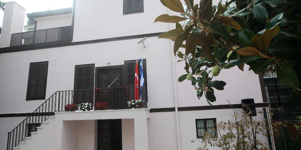 Επίθεση με βόμβες μολότοφ τα ξημερώματα κοντά στο τουρκικό προξενείο στη Θεσσαλονίκη