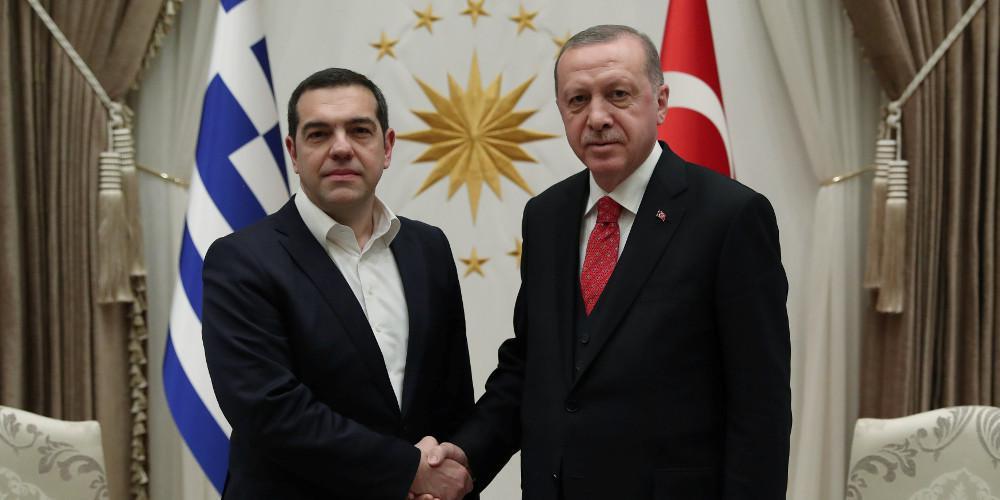 Ψάχνοντας αφήγημα και… σωσίβιο στον Ερντογάν: Η διαχείρηση των εθνικών θεμάτων στο προεκλογικό τραπέζι