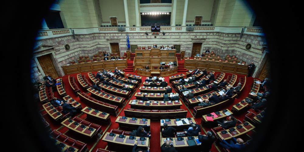Μένει ανοιχτή η Βουλή για «εξυπηρετήσεις» - Από 10 έως 13 Ιουνίου ο Τσίπρας θα πάει στο ΠτΔ