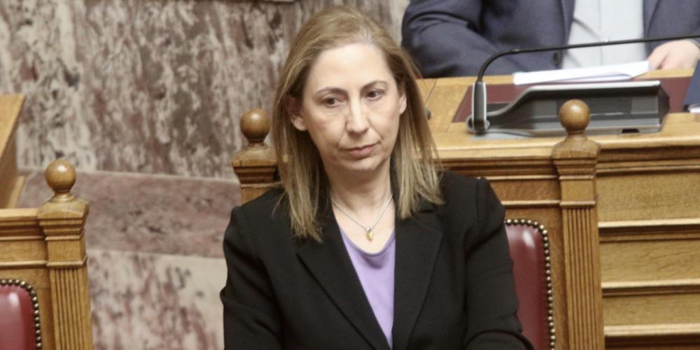 Ξενογιαννακοπούλου δικαιολογεί Πολάκη: Στοχοποιήθηκε άδικα, νόμιμο το δάνειο