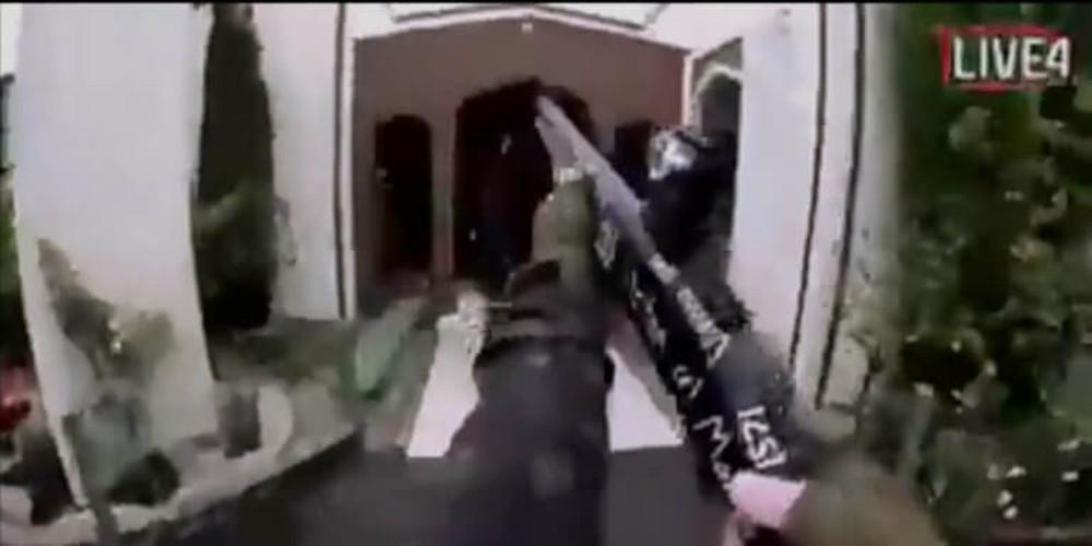 Βίντεο-ντοκουμέντο: Η στιγμή που οι αστυνομικοί συλλαμβάνουν τον μακελάρη της Νέας Ζηλανδίας