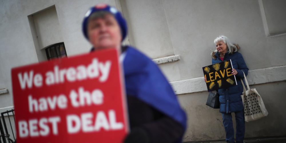 «Αχτίδα» ελπίδας για Brexit με συμφωνία στην ΕΕ