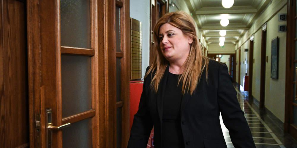Αποκάλυψη «Ε.Τ.»: Η υφυπουργός Μακεδονίας-Θράκης μοιράζει πάνω από 570.000 ευρώ σε προεκλογικές επιχορηγήσεις