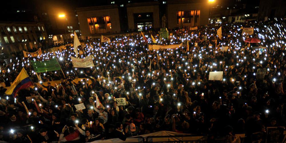 Χιλιάδες Κολομβιανοί διαδήλωσαν υπέρ της ειρήνης