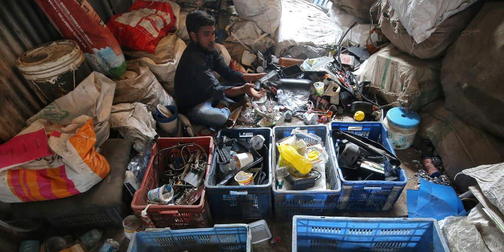 Η Ινδία απαγόρευσε τις εισαγωγές πλαστικών αποβλήτων για τον περιορισμό της ρύπανσης