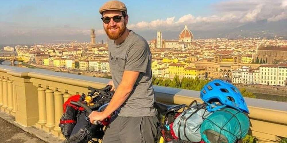 Ντροπή: Έκλεψαν ποδήλατο ακτιβιστή που ταξίδευε για φιλανθρωπικό σκοπό στη Θεσσαλονίκη