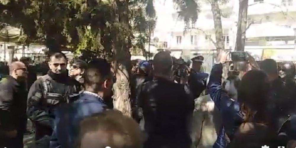 Επίθεση στην Βουλευτή του ΣΥΡΙΖΑ, Αφροδίτη Σταμπουλή στις Σέρρες [βίντεο]