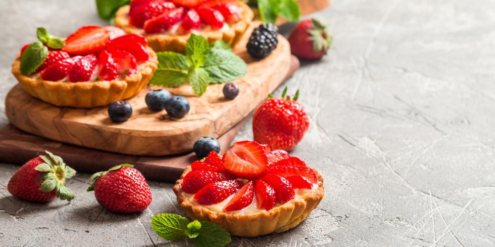 Η συνταγή της ημέρας: Ταρτάκια με κρέμα και φράουλες