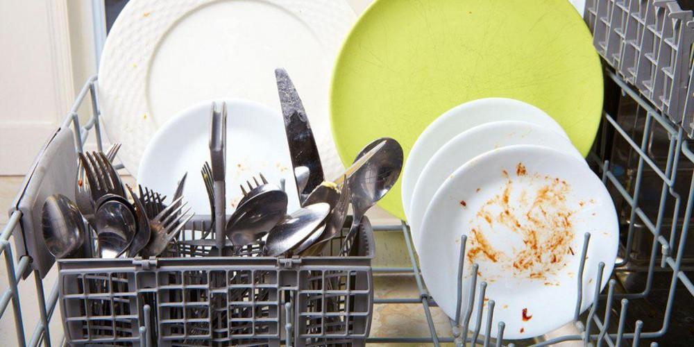 8+1 λόγοι που δεν πλένει καλά το πλυντήριο πιάτων!