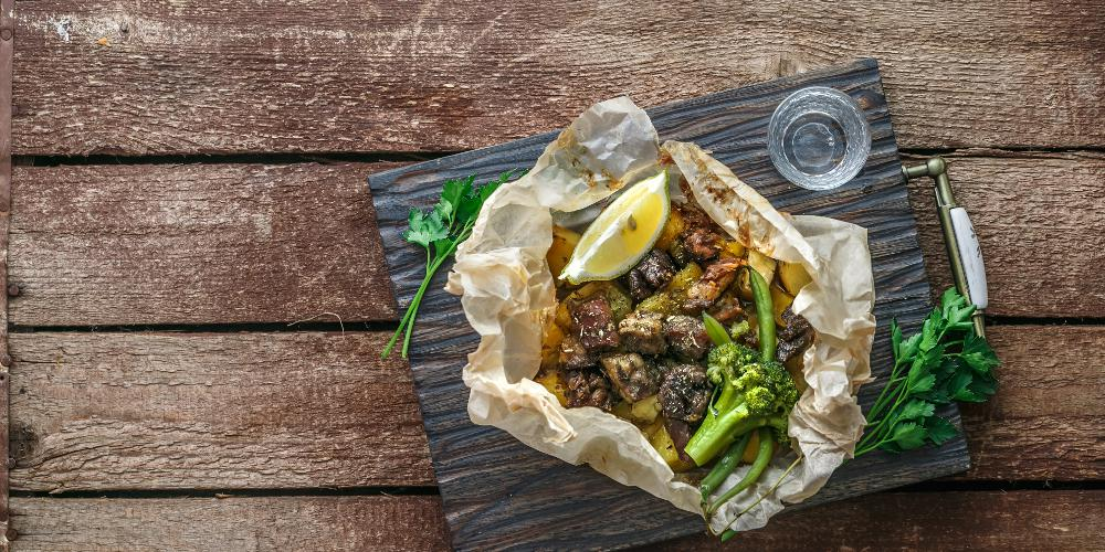 Η συνταγή της ημέρας: Αρνάκι κλέφτικο από τον Πέτρο Συρίγο
