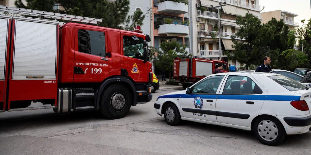 Συναγερμός στην Πυροσβεστική από δύο πυρκαγιές σε Γλυφάδα και Πλατεία Βάθης...