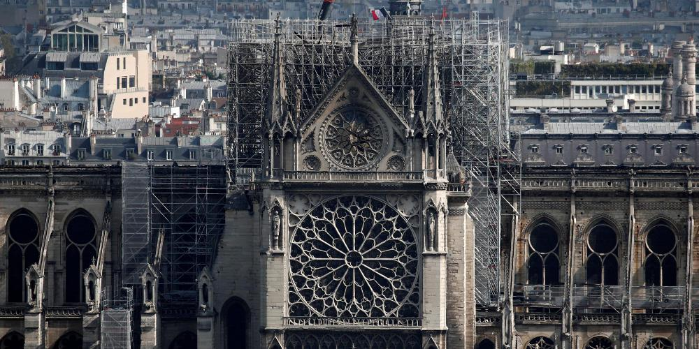 Αρχιτεκτονικό ντιμπέιτ για τον τρόπο αποκατάστασης της Παναγίας των Παρισίων