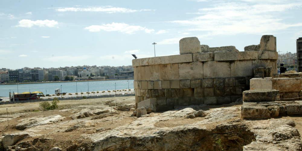 Αρχαιολογικός χώρος ο μισός Πειραιάς με απόφαση ΚΑΣ