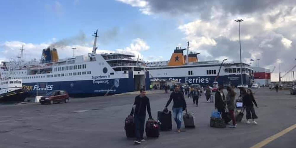 Ταλαιπωρία για 679 επιβάτες: Με 2 ώρες καθυστέρηση έφτασε στον Πειραιά το «Κρήτη ΙΙ»