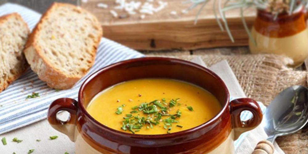 Η συνταγή της ημέρας: Χορτόσουπα βελουτέ με πράσα και πατάτες