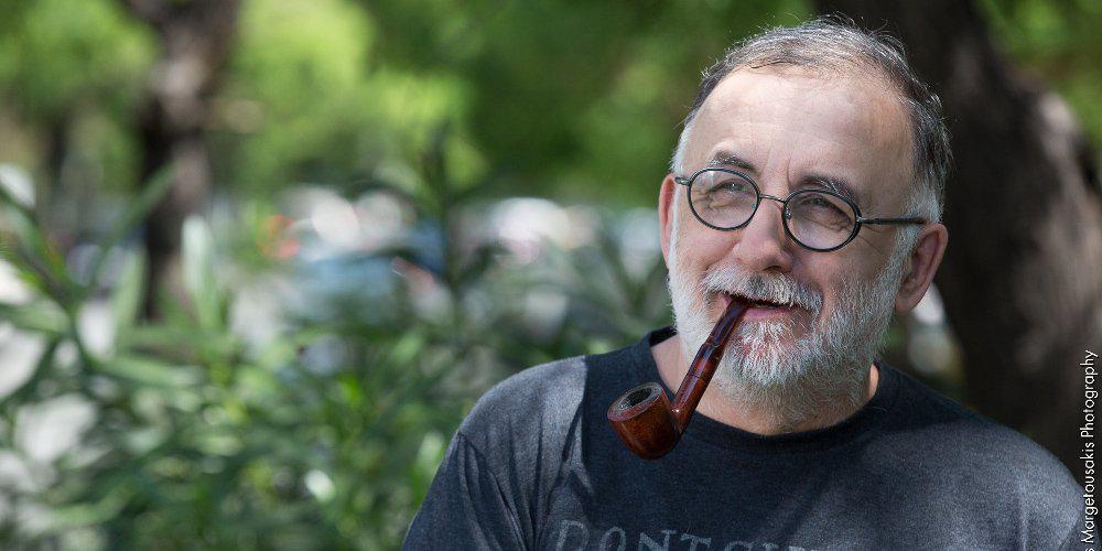 Συγκινεί ο Θάνος Μικρούτσικος: Αντί για δώρα φέτος δώστε αίμα σε ένα νοσοκομείο