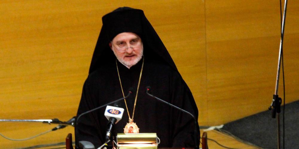 Στη Χίο ο Αρχιεπίσκοπος Αμερικής Ελπιδοφόρος - Οικονομική βοήθεια