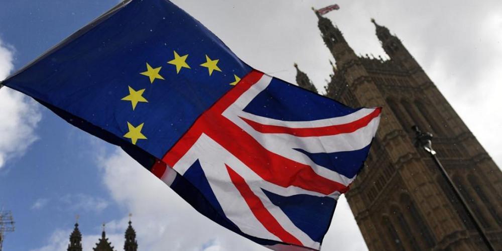 Brexit: Με ηλεκτρονική άδεια και διαβατήριο θα γίνεται η είσοδος στη Βρετανία