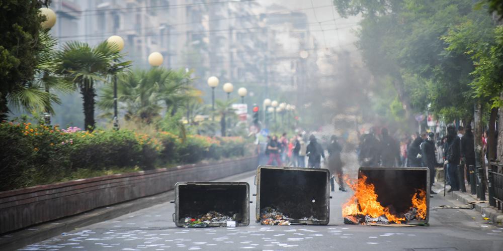 Καίνε ό,τι βρουν: 68 επιθέσεις μπαχαλάκηδων σε Αθήνα και επαρχία από τις 2 Μαΐου
