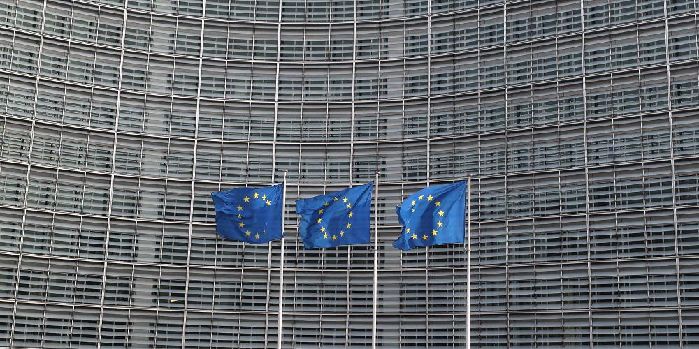 Κορονοϊός: Η Κομισιόν υπέγραψε σύμβαση για την προμήθεια θεραπείας μονοκλωνικών αντισωμάτων