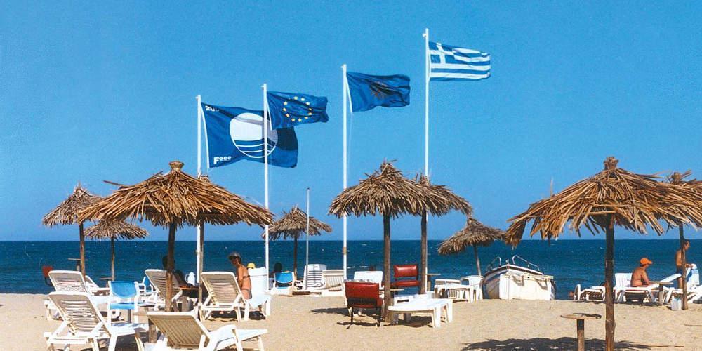 Αυτές είναι οι 17 ελληνικές παραλίες που έχασαν τη Γαλάζια Σημαία