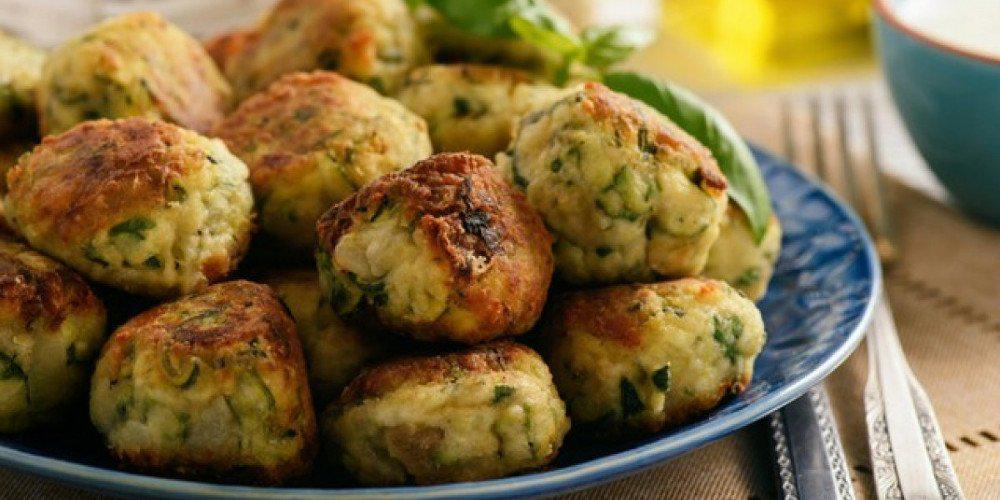 Η συνταγή της ημέρας: Κολοκυθοκεφτέδες με φέτα και γραβιέρα