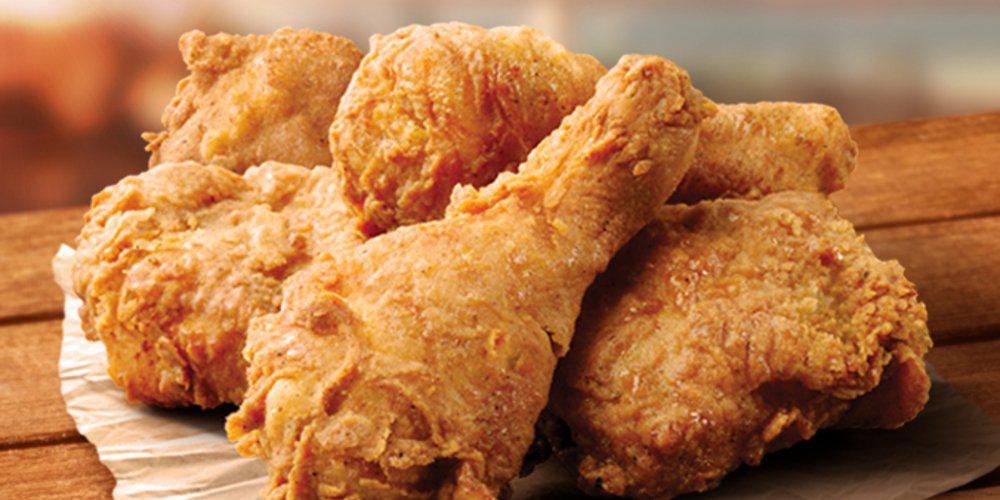 Μικρός... θεούλης έτρωγε τζάμπα στα KFC για ένα χρόνο και δεν τον είχε πάρει χαμπάρι κανείς